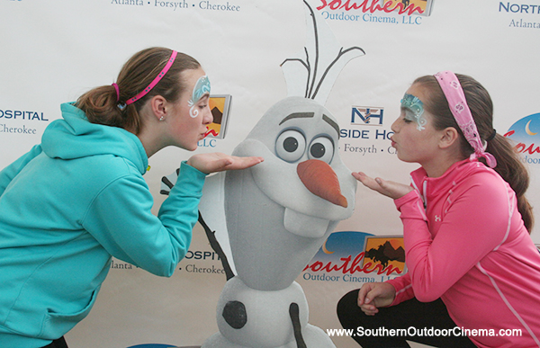 Add an Olaf standee to your Disney Frozen Photobooth at your outdoor movie event.